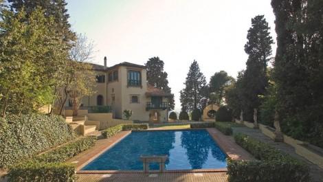 Luxurious, spacious WOW factor property