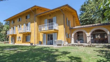 Umbria villa with pool