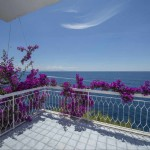 Amalfi coast property, villa with superb sea views, private parking and direct access to the sea, only a few hundred metres from Conca dei Marini, a typical sea side town on the Amalfi Coast with services, restaurants and shops.