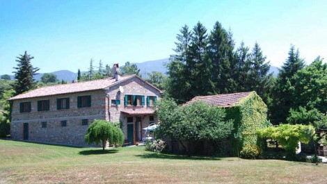Secluded but not isolated Tuscan property