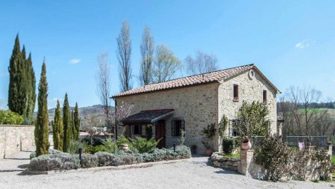 Umbria Italy new build property on small complex