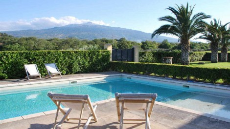Sicilian wine property Mount Etna views