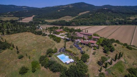 Umbria Tuscany Border Luxury stone farmhouse