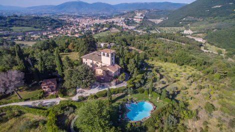 Spoleto Umbria large country villa