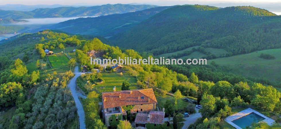 Super farm property in Umbria, stay in touch with the land with sustainable living, ecotourism and agriculture and further potential.