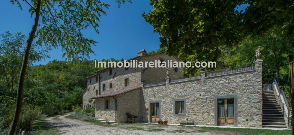 Agriturismo for sale in Tuscany. Ideal opportunity for husband and wife team. Small Bio Agriturismo with 27 hectares of land. Restaurant with 40 covers. Good location near to Pieve Santo Stefano. Several well known tourist destinations a short drive away