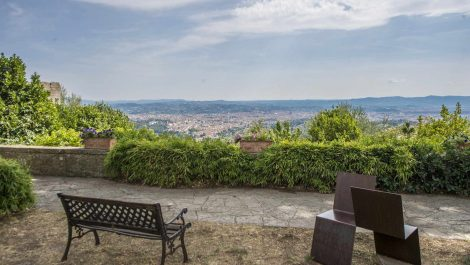 Florence Tuscany luxury accommodation business