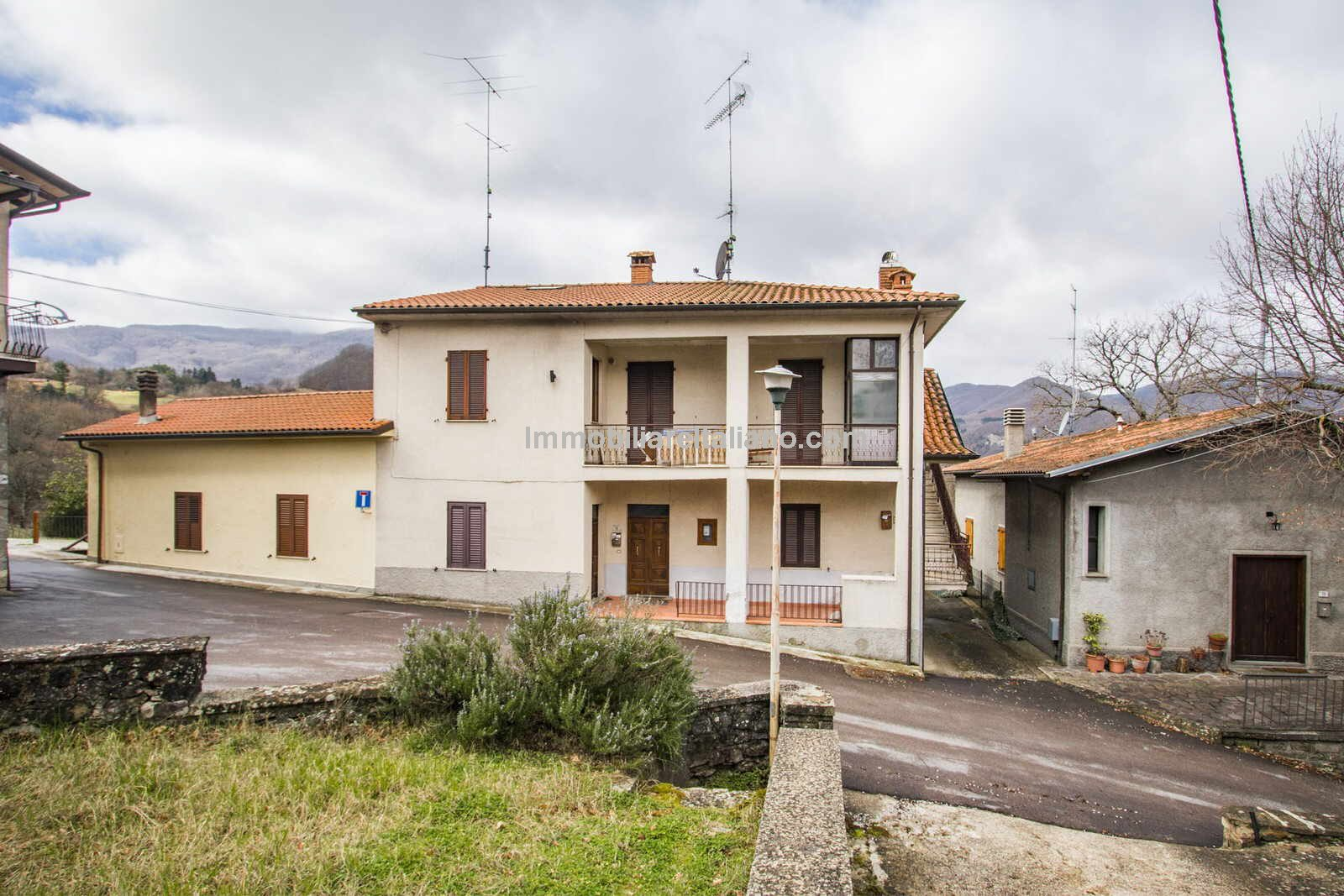 External view of fixer upper property in Tuscany