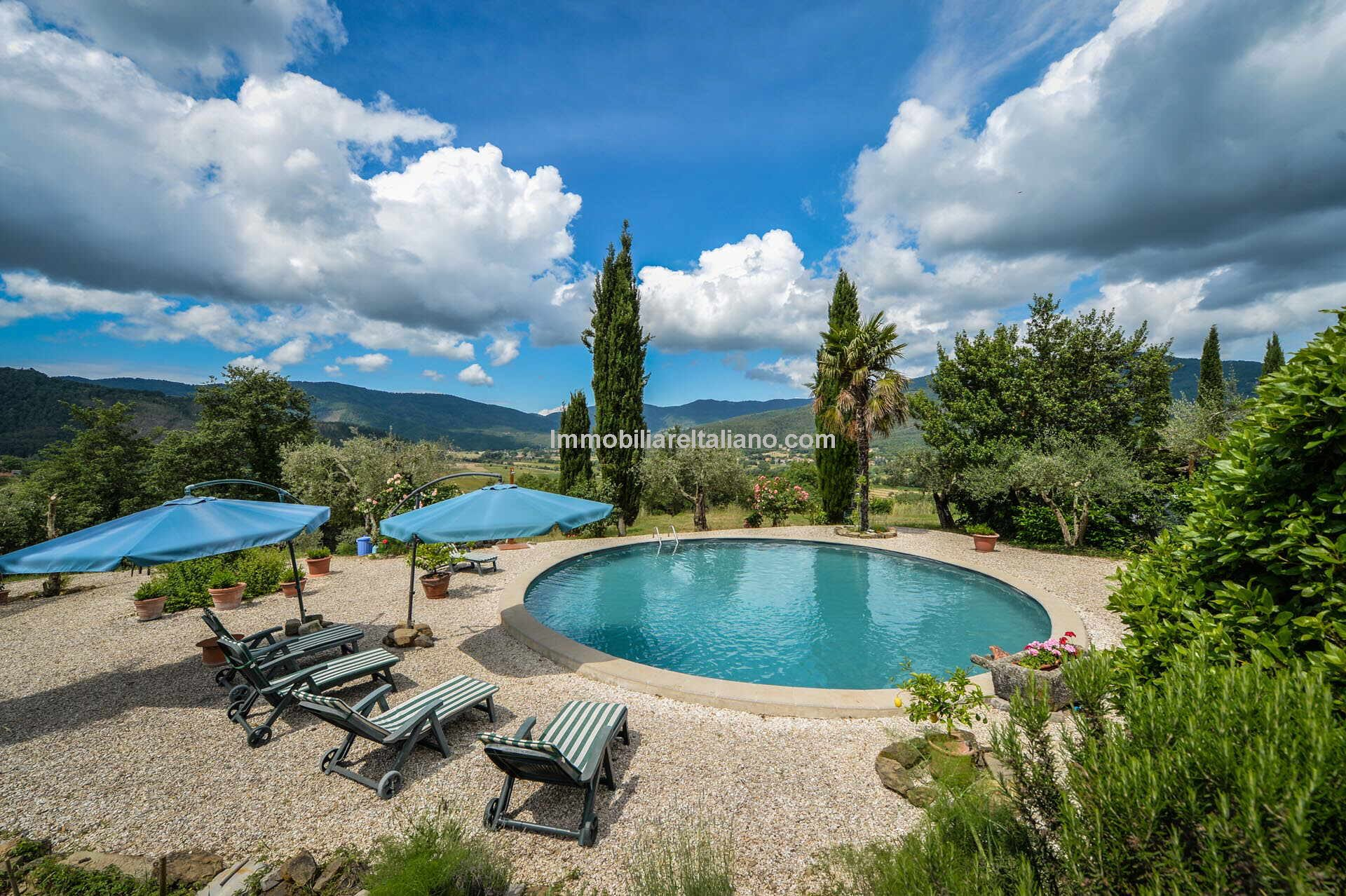 Italian farmhouse with garden and pool