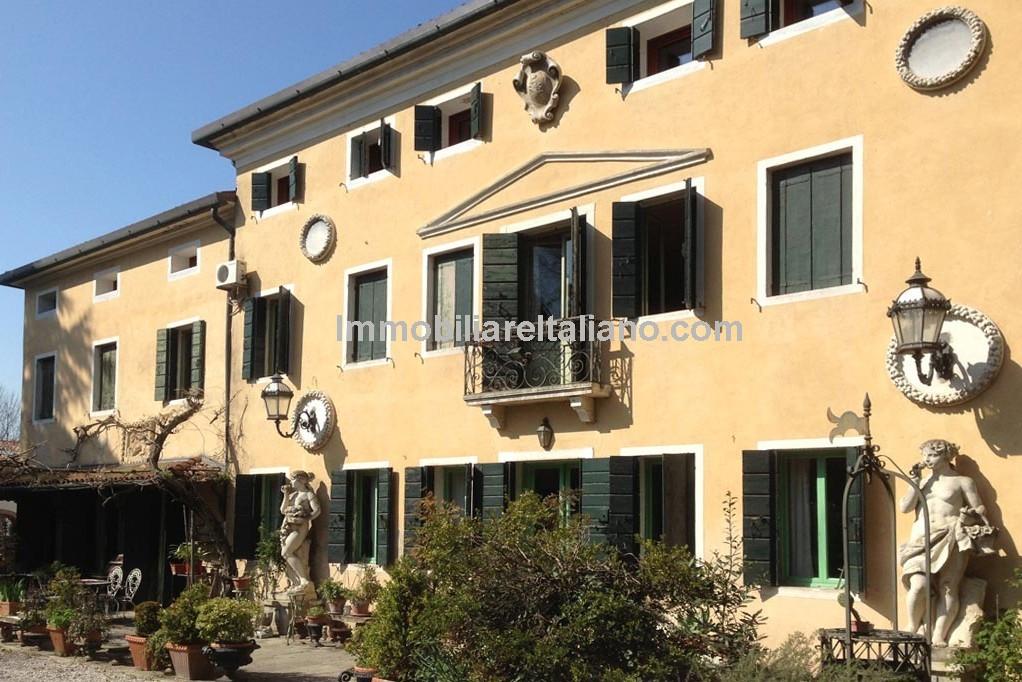 Venice Villa