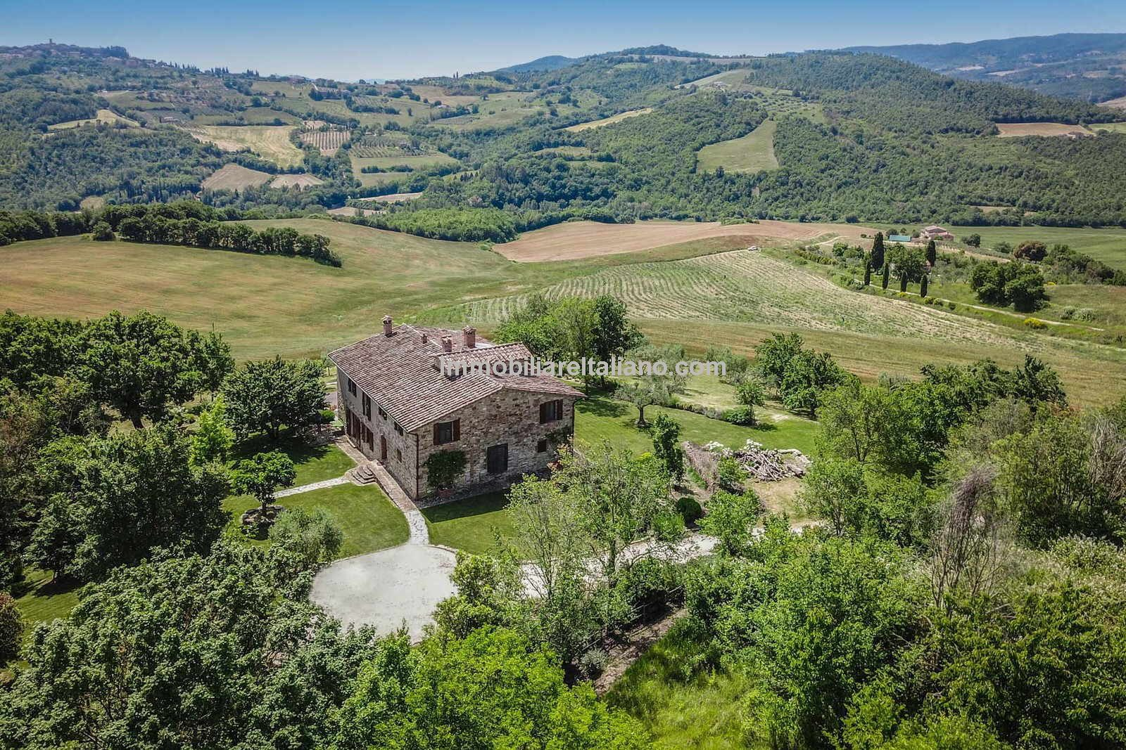 Umbria Italy farmhouse property for sale