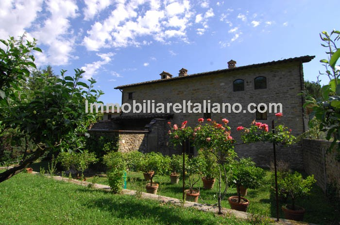 Farm House In Tuscany For Sale