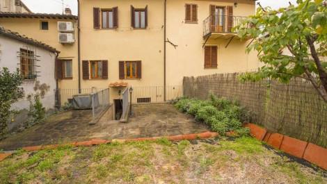 Tuscan Home and Income