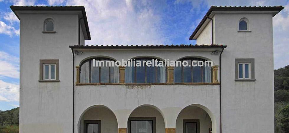 Arezzo Property