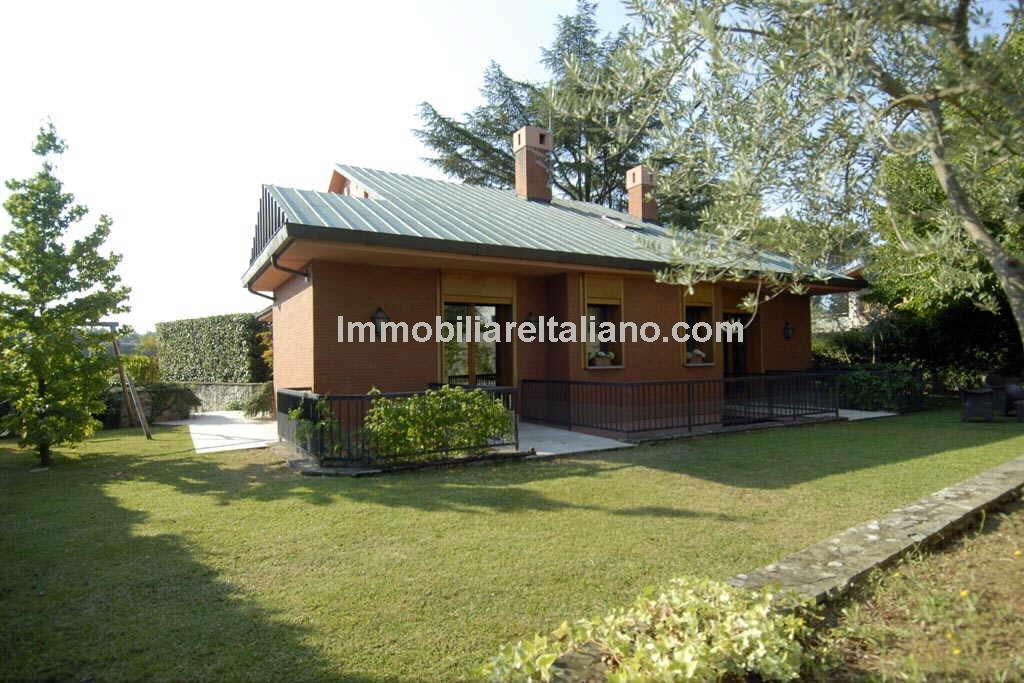 Spacious Florence Villa