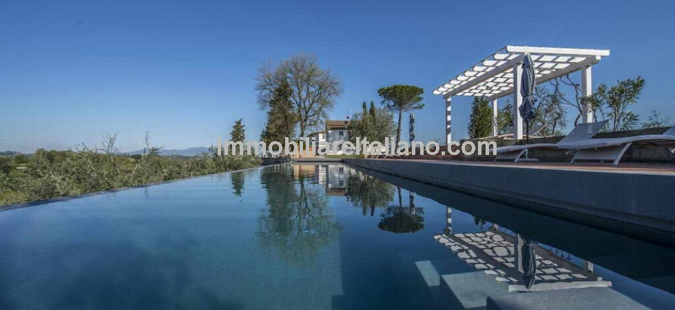 Luxury Italian estate for sale, located near Palaia and Pisa in Tuscany currently running as an Agriturismo with small vineyard and olive oil production. Possible to expand the wine side of the business.