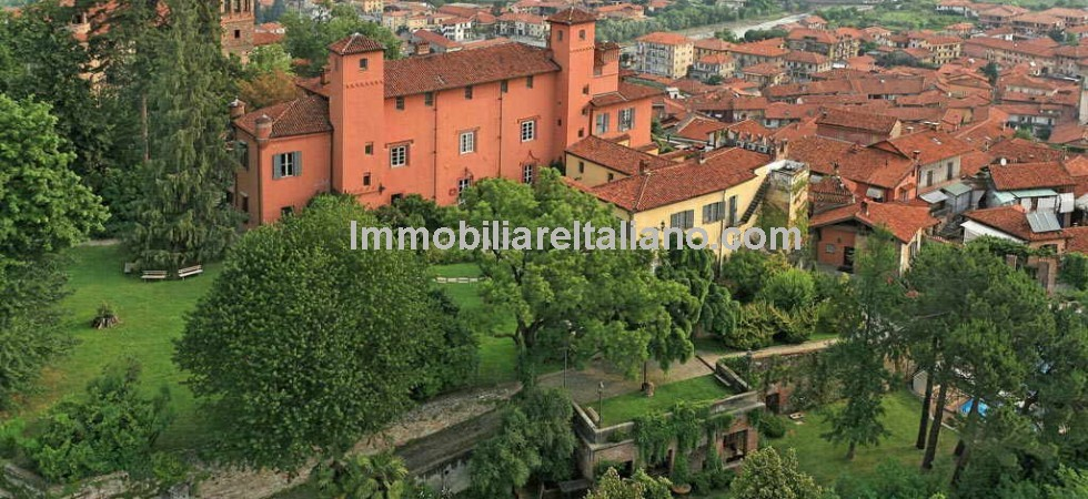Historic Piedmont castle hotel for sale for sale located at the top of a medieval village near to Cuneo. Currently running as a 4 star hotel, ideal location for holidays, business meetings and weddings, the property would also be suited to other commercial or residential uses.