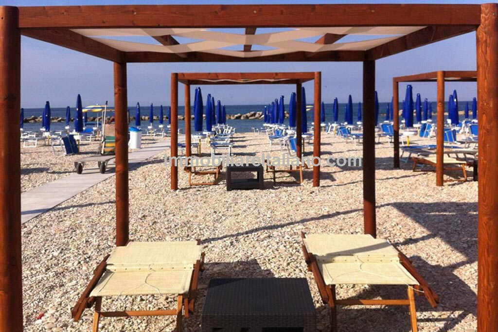 Beach business for sale in Italy