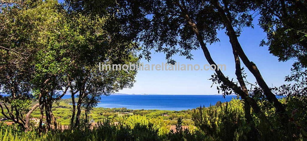 You will certainly think you have found paradise in this newly build villa in Punta Ala Tuscany. Sea and mountain views, pool, 4 bedrooms (3 en suite), air conditioning lovely gardens ...