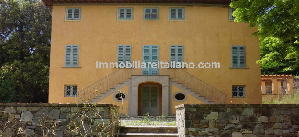 A recently restored country villa property in Tuscany for sale. Located near to Lucca this villa property has 6 bedrooms and 8 bathrooms, olive trees, land and pool.