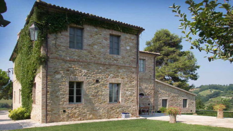 Marche farmhouse villa