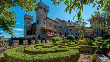 Luxury castle property in Tuscany
