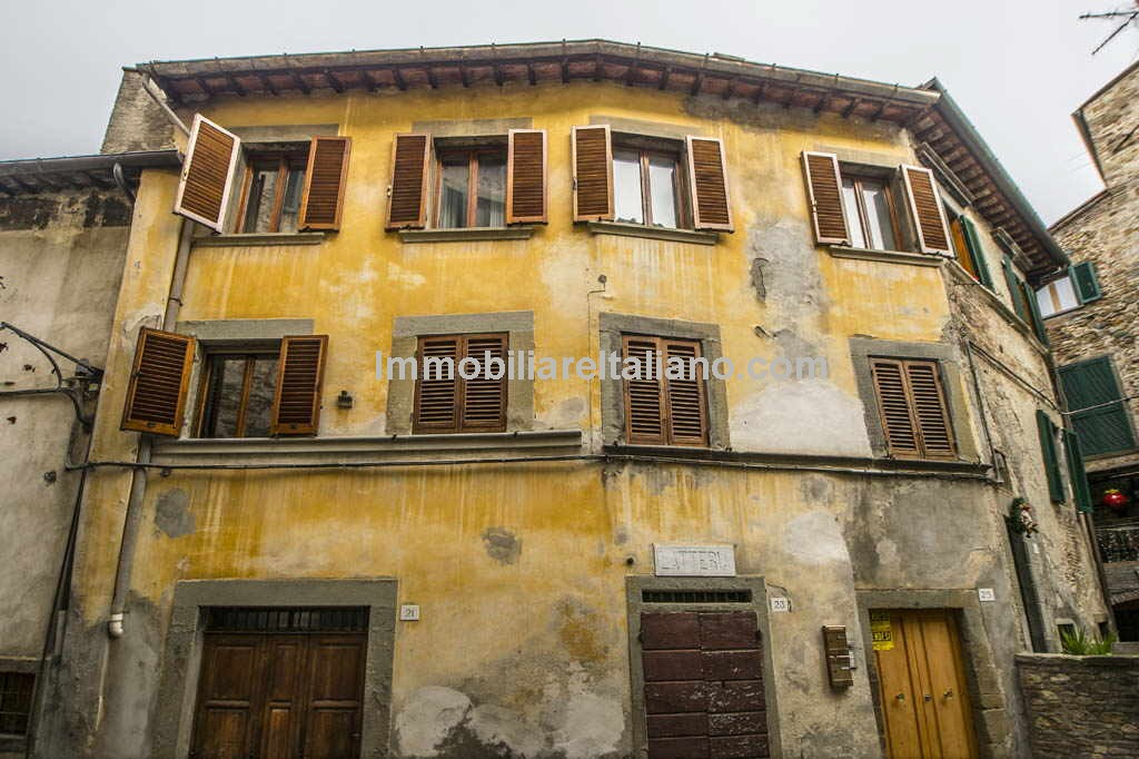 Cheap apartment for sale in Tuscany