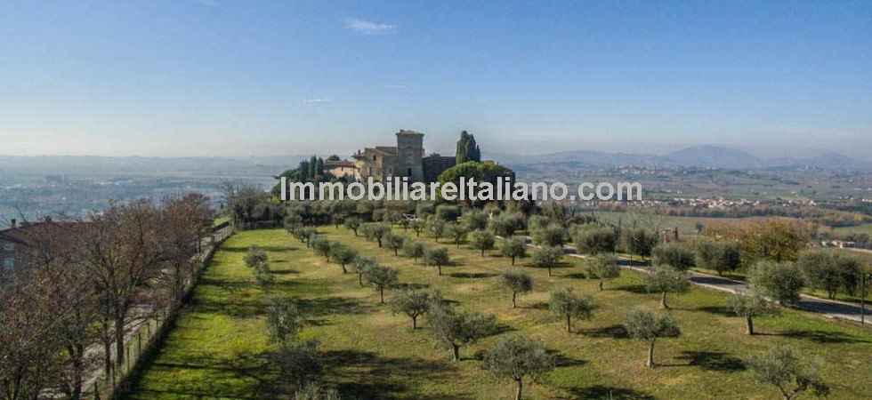 Near to Assisi in Umbria a Castle property which will be of interest to developers and investors. Restored to a builders finish and suitable (subject to permissions) for a variety of uses.
