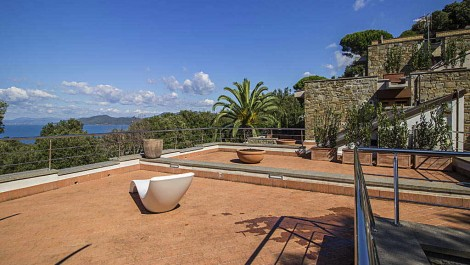 New build villa Tuscany with pool sea views