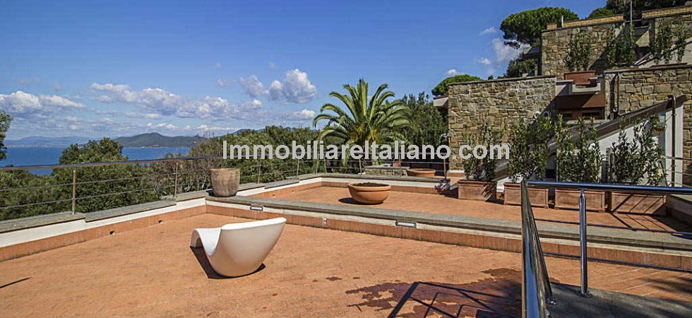 New build villa in Tuscany with pool and sea views in the upmarket Tuscan seaside resort of Punta Ala. Large 6 bedroomed villa.