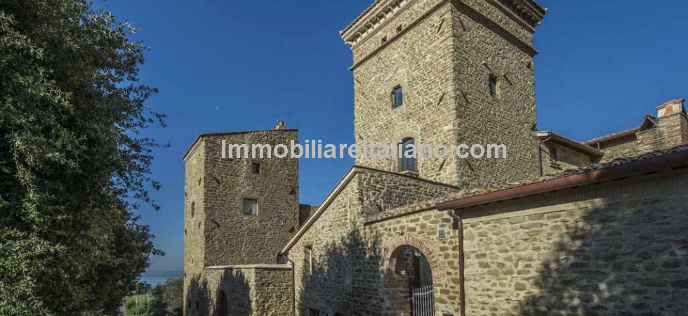 Apartments for sale in Italy, great location, Lake Trasimeno in Umbria.