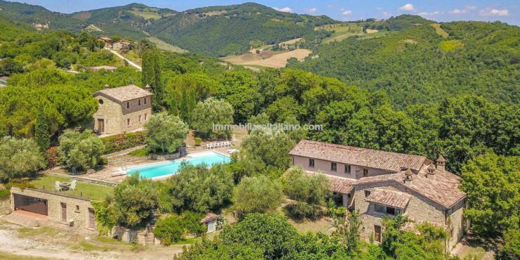 Italian farmhouse for sale