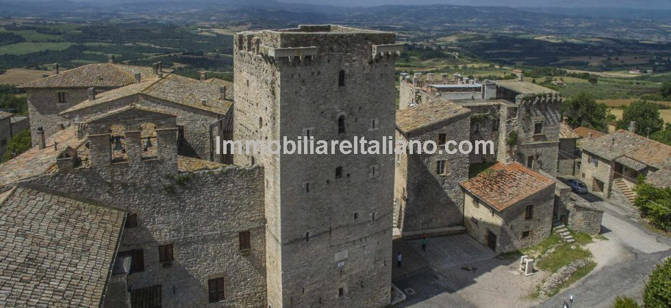 Medieval tower for sale In Italy located near to Gualdo Cattaneo, Perugia and Terni in Umbria. Renovation project with main work already done.