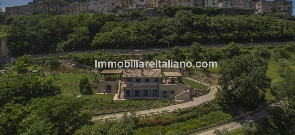 Property for sale in Amelia Umbria, newly built 4 bed 5 bath villa with great views and location, in the shadow of the hill top town of Amelia.