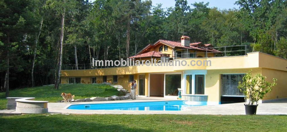 Lake Maggiore luxury property. Near to Lake Maggiore, a small estate comprising three luxury villas with renovated ruin, park, woodland and pool. Ideal as luxury residence with ample space for family, guests and staff or for commercial leisure use.