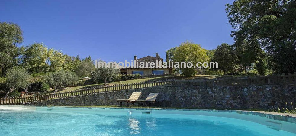 Saturnia Tuscany property, a perfect blend of old and new. Restored 18th Century farmhouse with dependance, landscaped gardens with pool and one hectare of land.