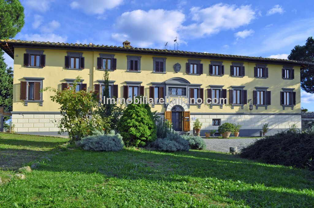 Prestigious Tuscan Wine Estate