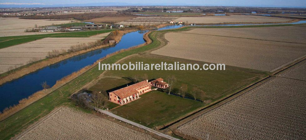 Caorle Veneto Agriturismo with annexes and surrounding farmland for sale. River side property near to the sea. Potential for expansion.