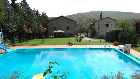 Tuscan farmhouse properties