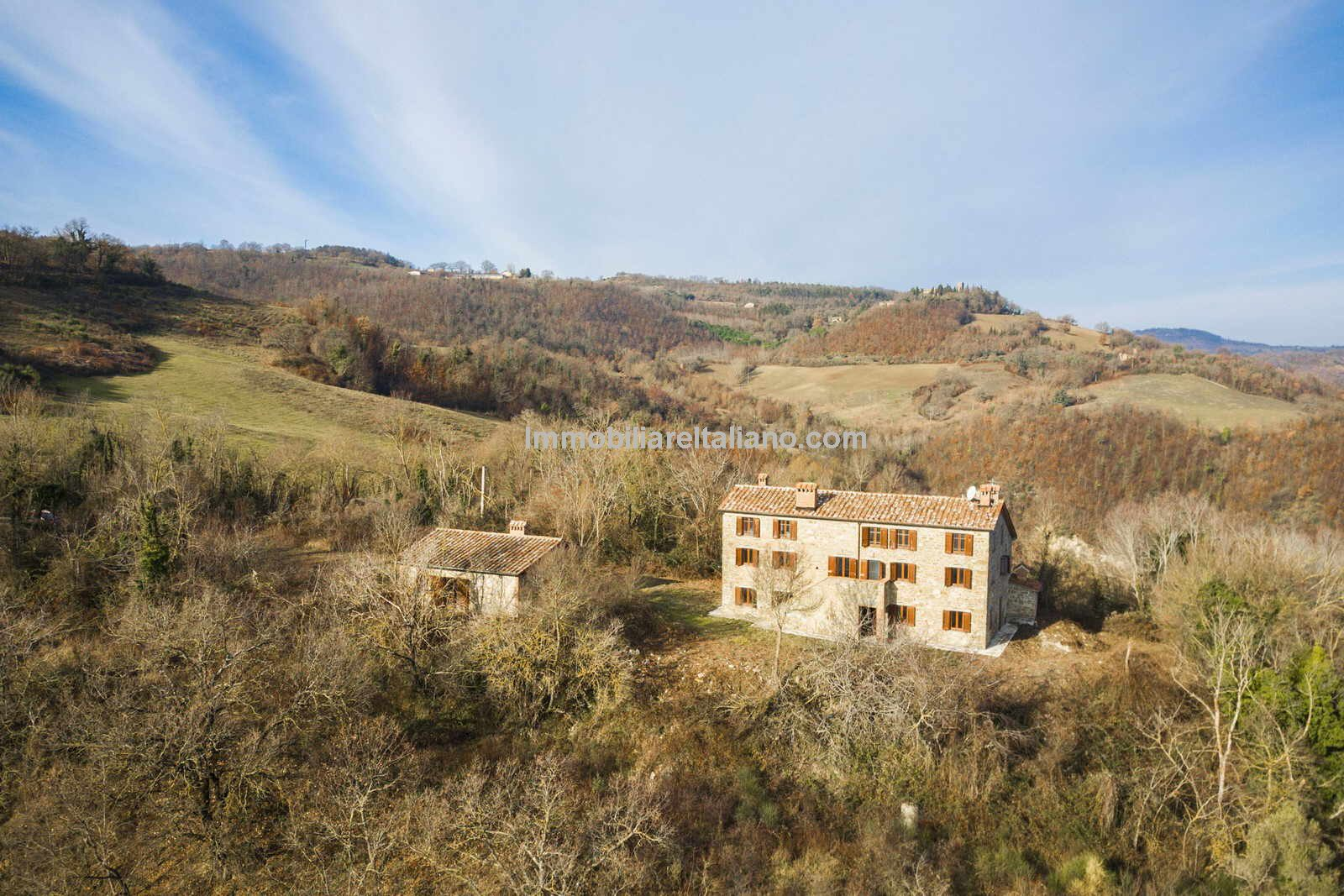 External view of Umbria home for sale