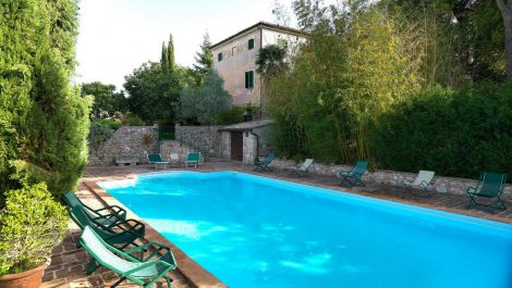Trevi Villa Home and Income