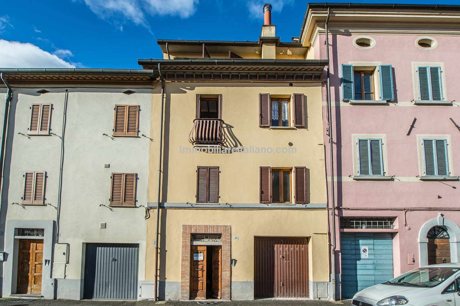 Property to renovate in Italy