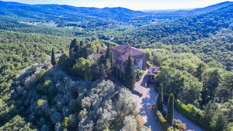 18th century Tuscan hamlet estate