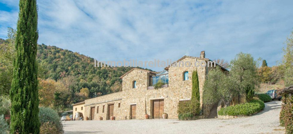Fully working Tuscan wine estate. The property has a state of the art cellar, is fully equipped and well-established with excellent vineyards allowing the production of one of the most renowned wines of Italy, Brunello di Montalcino.