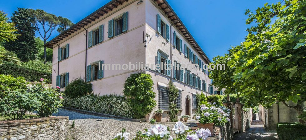 Prestige Lucca Tuscany property for sale comprising a small estate with historical villa, guest apartments, 12 hectares of land, including a vineyard (currently not used), an olive grove and woodland.