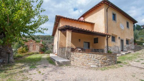 Tuscan Farmhouse Agriturismo for sale