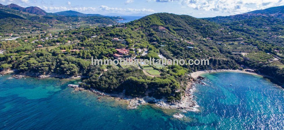 Luxury Elba villa property for sale. On a small upmarket complex on the Golfo Stella this 3 bed property has sea views, private garden and use of shared pool plus 2 parking spaces.