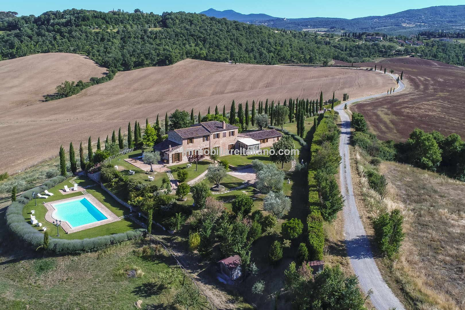 Restored 6-bed traditional Tuscan farmhouse, swimming pool, olive grove (180 trees) and a small 12-row vineyard located near to Chiusi in the Siena province of Tuscany. Nice private property but not too far from town. Ideal large home or utilising part of the property for holiday accommodation.