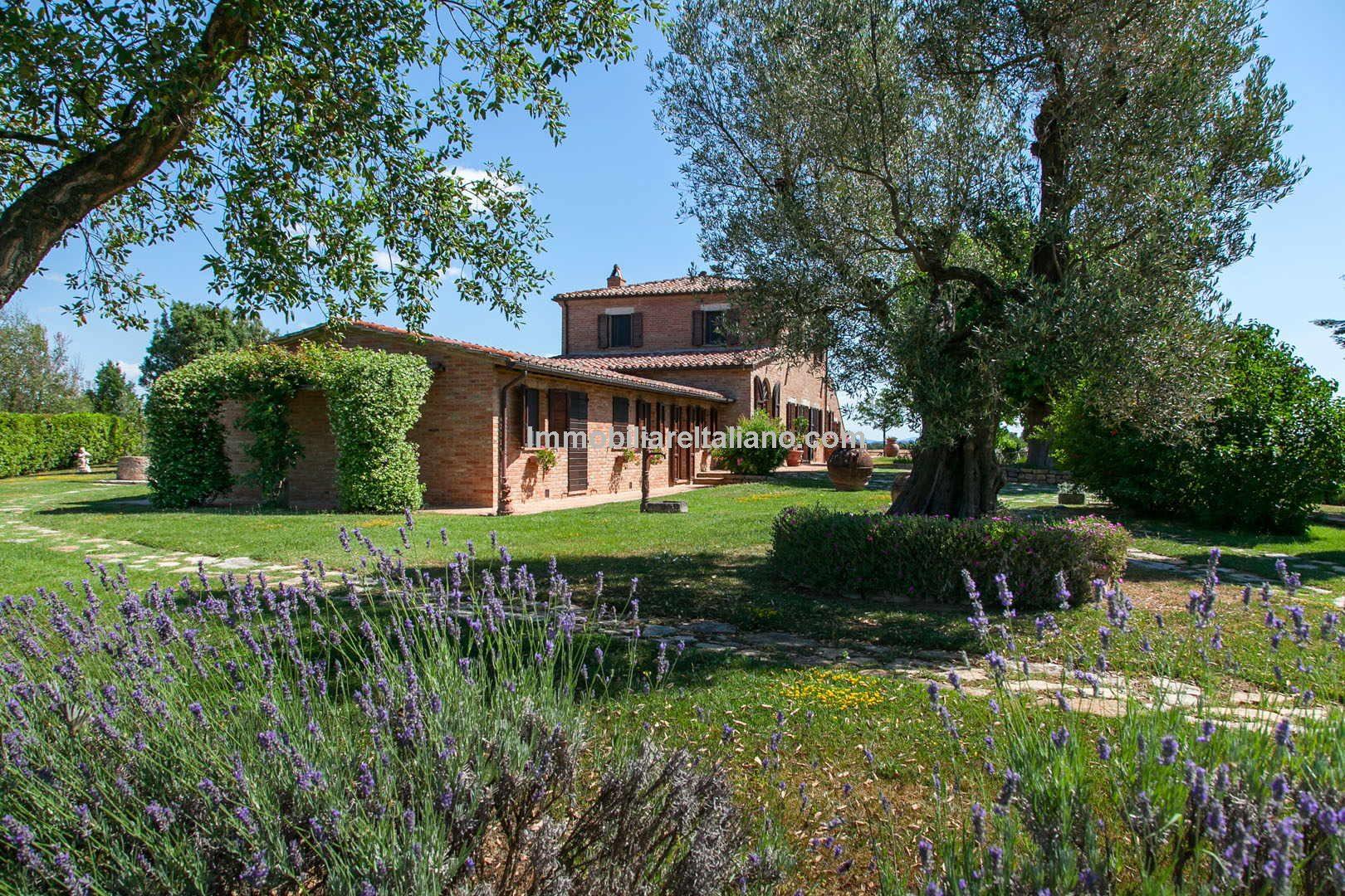 Restored 6 Bed Traditional Tuscan Farmhouse Immobiliare Italiano