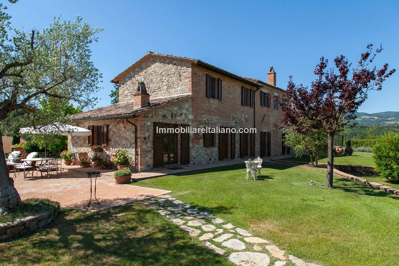 Restored 6 bed traditional Tuscan farmhouse Immobiliare Italiano for Traditional Tuscan House  585eri